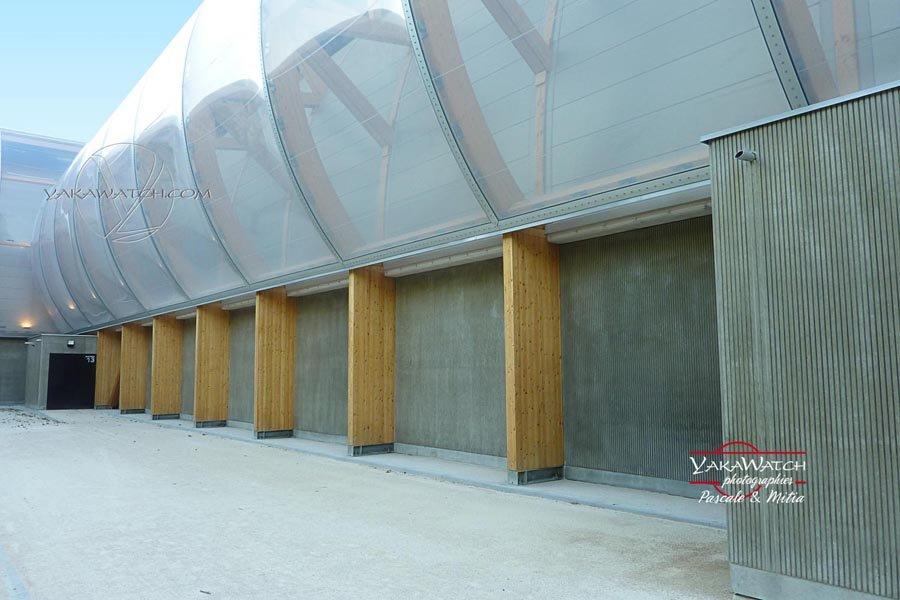 Les piliers de bois qui soutiennent le Grand Palais Ephémère - Photo Yakawatch