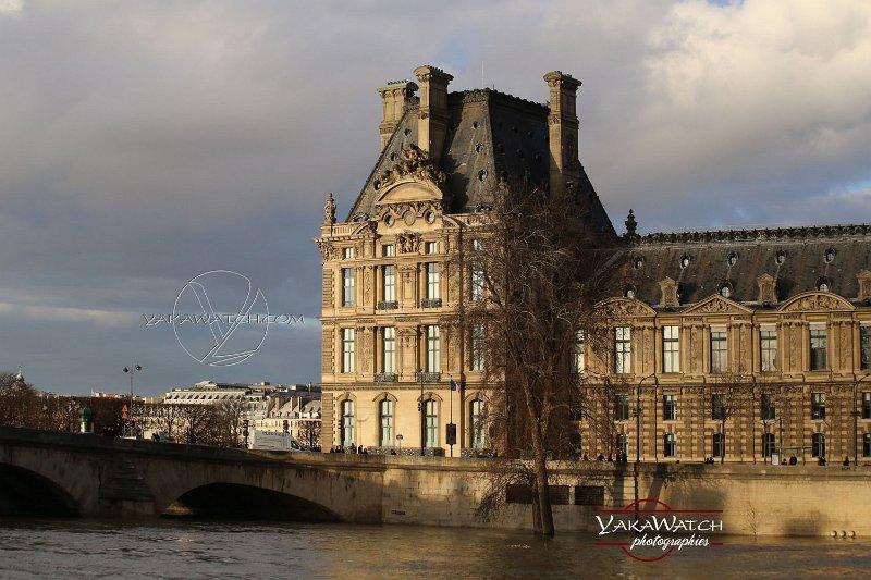 Le musée du Louvre garde un œil vigilant sur ses collections
