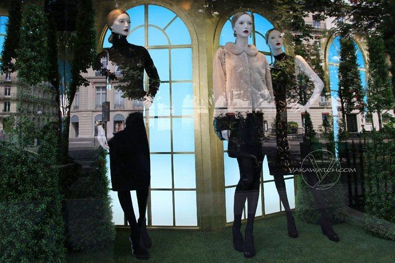 Reflets vitrine 3 mannequins