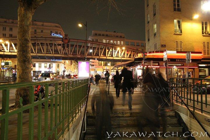 Le métro est quotidiennement emprunté par les parisiens