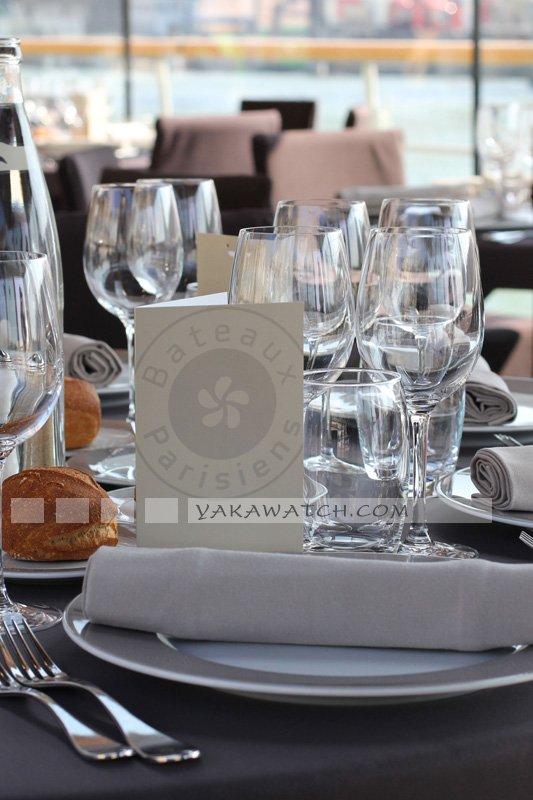 Restaurant, brasserie, traiteur, bar - Couvert sur les Bateaux Parisiens
