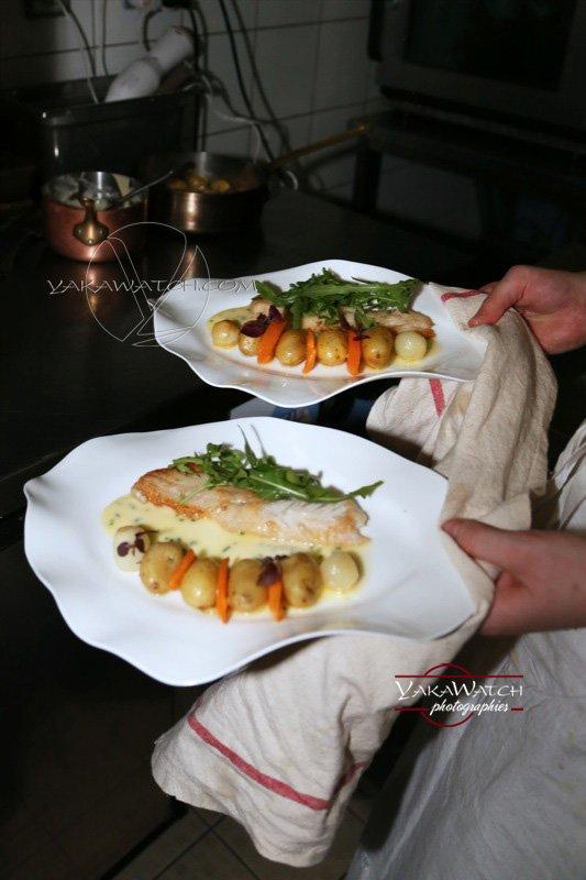 Restaurant, brasserie, traiteur, bar - Assiettes en cuisine - Crom'Exquis