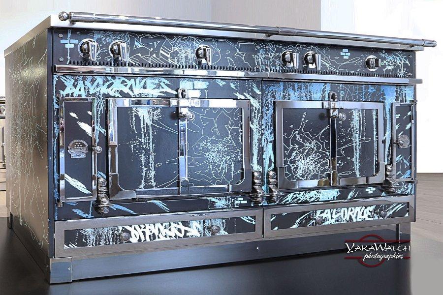 Piano de cuisson La Cornue en collaboration avec le graffeur Kongo