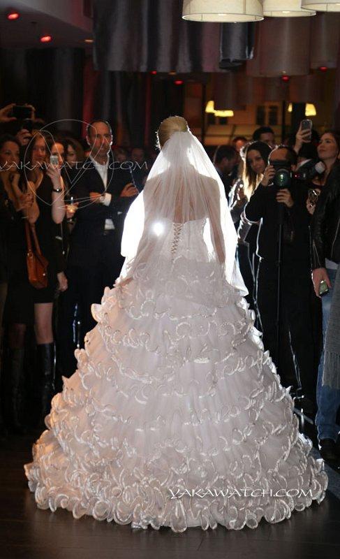 Robe de mariée au défilé Anahid Sinsek à l'hôtel Renaissance