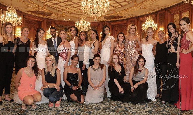 Photo d'équipe à l'hôtel Bristol
