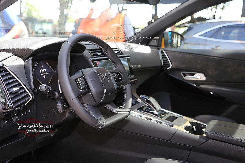 Intérieur du 4X4 hybride E-TENSE DS Automobiles