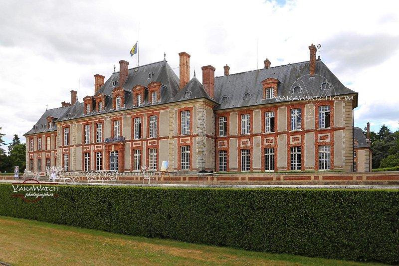 Le château de Breteuil a été rénové au début du 20ème siècle pour y accueillir des visiteurs importants