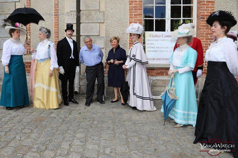 Le marquis de Breteuil entouré des figurants de l'Entente Cordiale