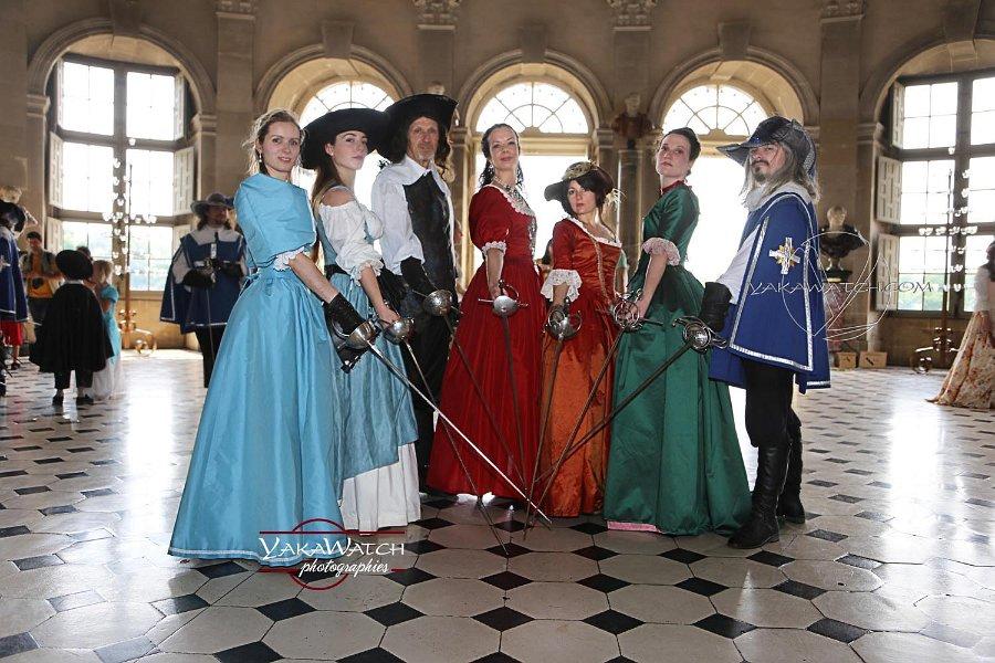 Mousquetaires dans le grand salon ovale du château de Vaux le Vicomte
