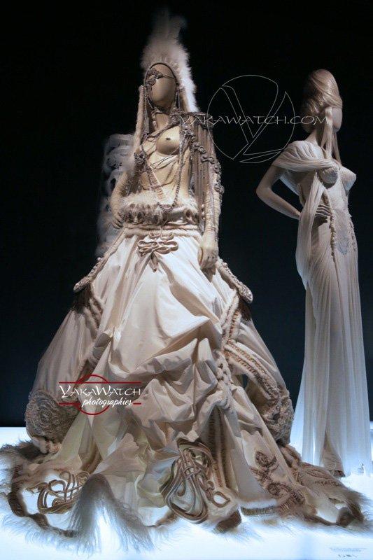 JP Gaultier exposition La Mariée - Collection Les Hussardes 2003