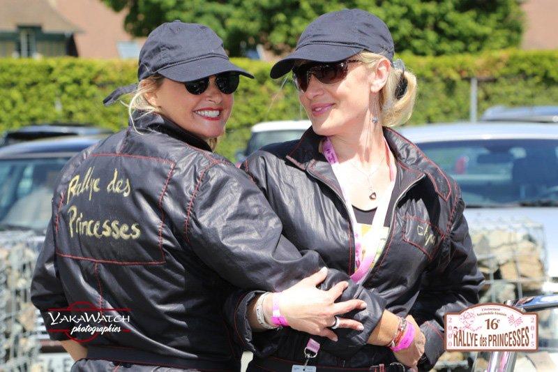 Participantes en noir au Rallye des Princesses