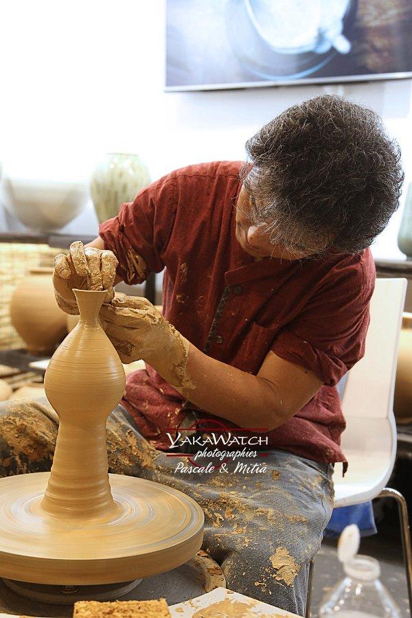 Maîtrise de la forme et des gestes, les maîtres potiers coréens d'Icheon