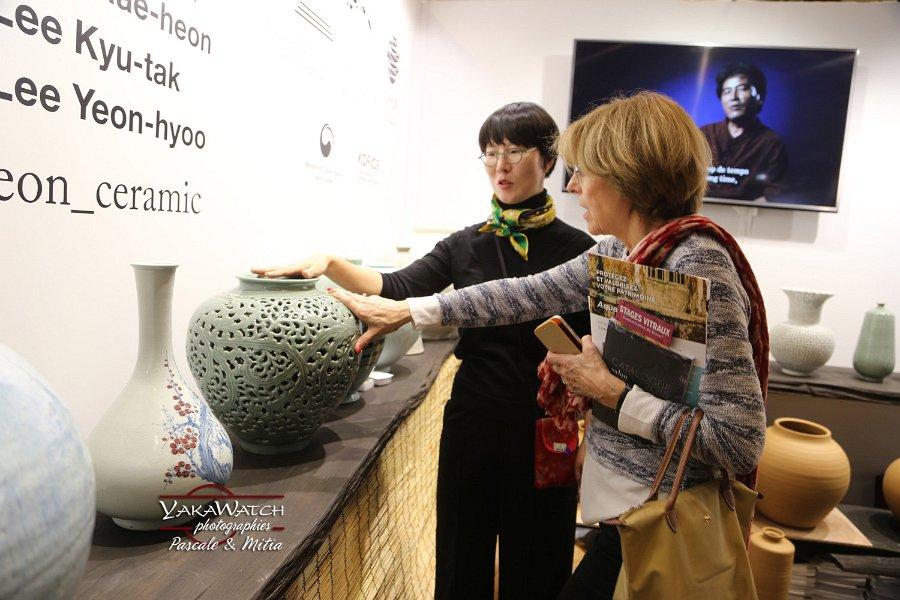 Présentation des céramiques coréennes d'Icheon, au salon du patrimoine