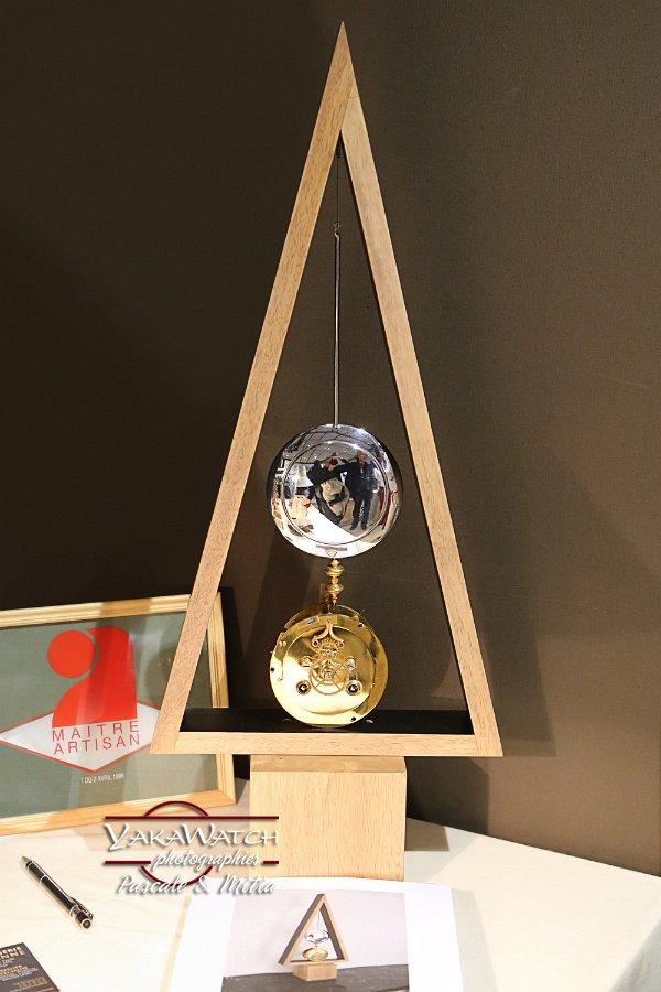 Horloge moderne, création Frédérique Flon