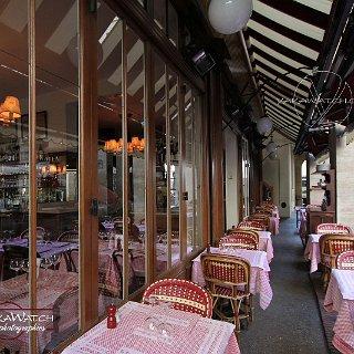 La Fontaine de Mars, restaurant de tradition. en terrasse