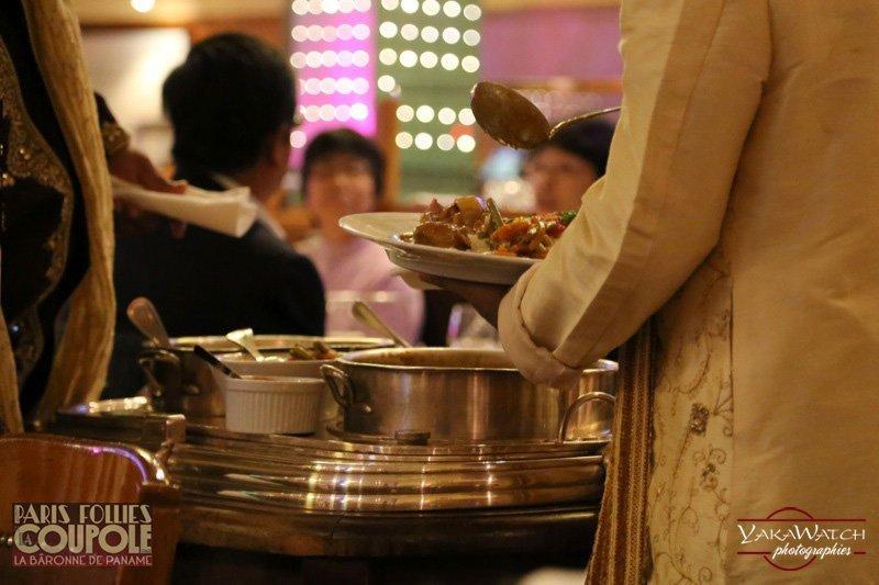 Restaurant, brasserie, traiteur, bar - Service du Curry d'agneau à la Coupole Montparnasse