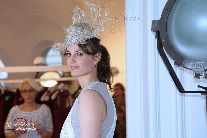 Modèle Sofia, chapeau Laurence Bossion photo Yakawatch