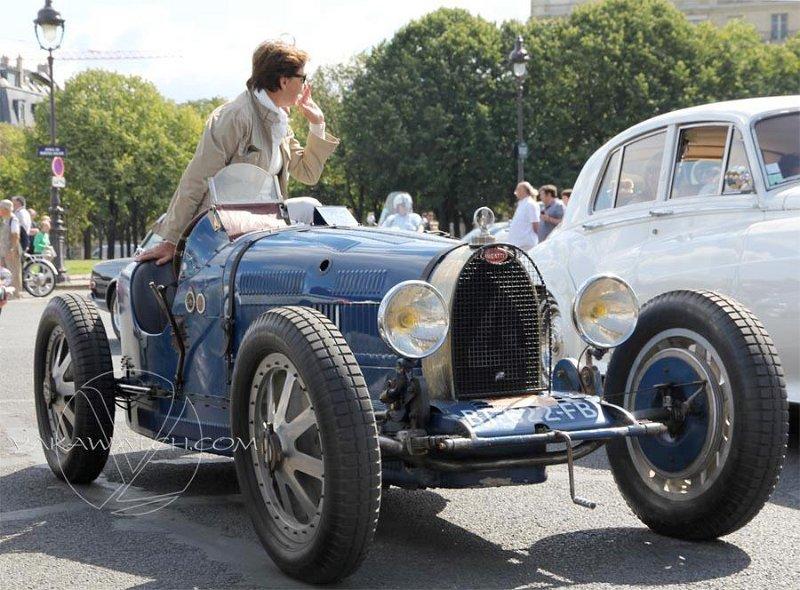 Bugatti - 5ème traversée de Paris estivale